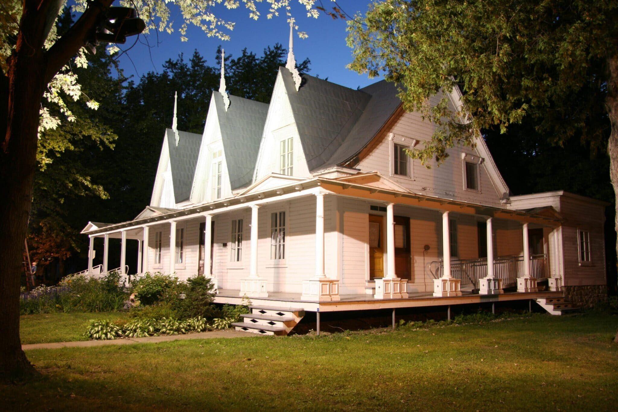 Maison Lenoblet du Plessis scaled - Navettes fluviales Marc Saulnier Lavaltrie
